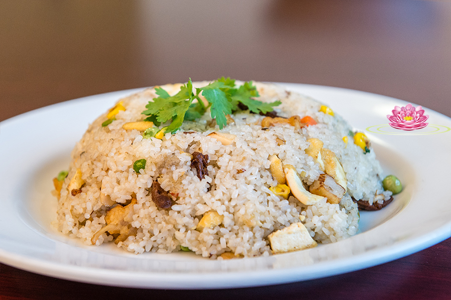 R07. Vegetarian assorted mock meat fried rice