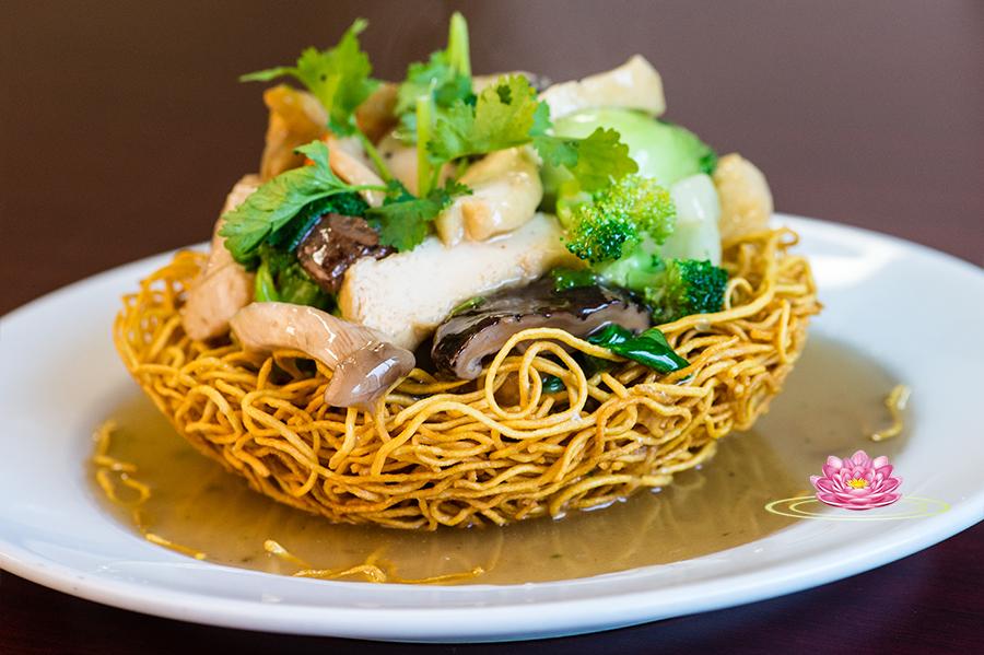 S02. Vegetarian crispy noodles